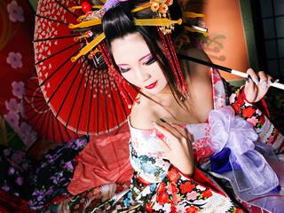 和傘を持った髷付きの本格古典風花魁