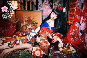 黒髪ロングウィッグを付けた日本人形のような現代風花魁